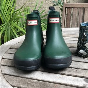 Hunter Chelsea boots size 6